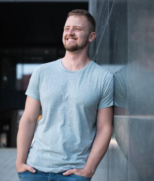 (Rücken-)Schmerzen effektiv loswerden: Personal Trainer Felix Kade (Audio)
